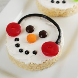 Easy To Make Snowman Rice Krispies Treats Recipe