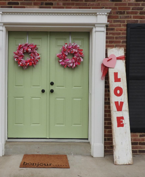 Christmas Wreaths For Double Front Doors: DIY Valentine Rag Wreaths For Double Front Door