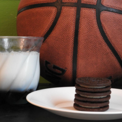 Oreo Dunk Challenge: Family Fun Shooting Hoops