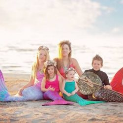 Best Holiday Shopping: Sun Tails Mermaid Tail Deal