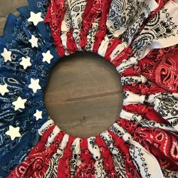 farmhouse style wreath, Easy to make patriotic wreath.
