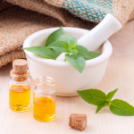 6 Essential Oils To Use In The Fall Months