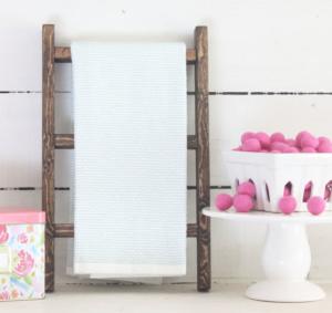Bathroom tea towel ladder farmhouse style decor.