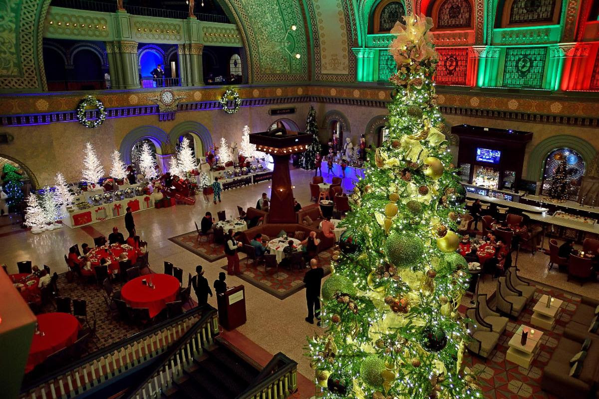 Union Station Grand Hall in St. Louis decorated for Christmas.