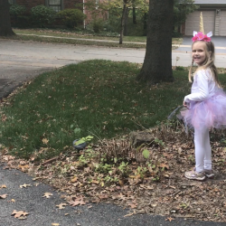 DIY unicorn costume for Halloween.