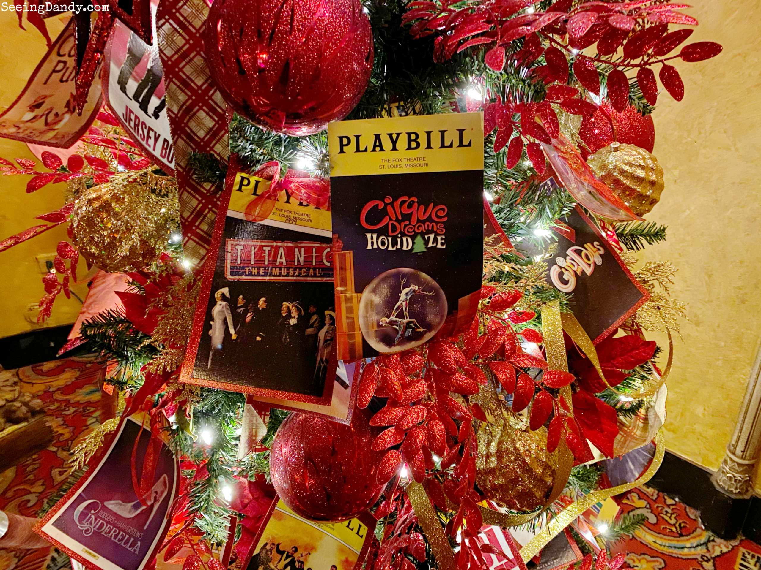 Cirque Dreams Holidaze St Louis Fox Theatre Playbill tree.