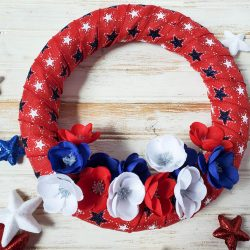 diy patriotic star wreath, 4th of july, home decor, diy wreath, holiday decorations