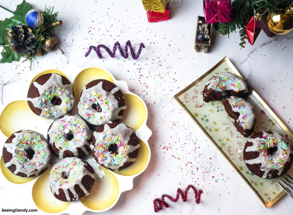 mini gingerbread bundt cakes, christmas decor, holiday decorations, christmas tree, holiday desserts, individual desserts, dessert recipe, christmas recipes, christmas cake, christmas dessert