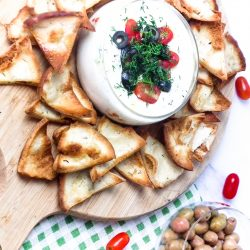 cheese fondue dip, easy recipes, appetizer recipes, super bowl food, party recipes, football party, super bowl party, big game