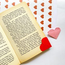 origami heart bookmark, easy crafts, diy crafting, school party ideas, valentine party, valentine origami, diy bookmarks
