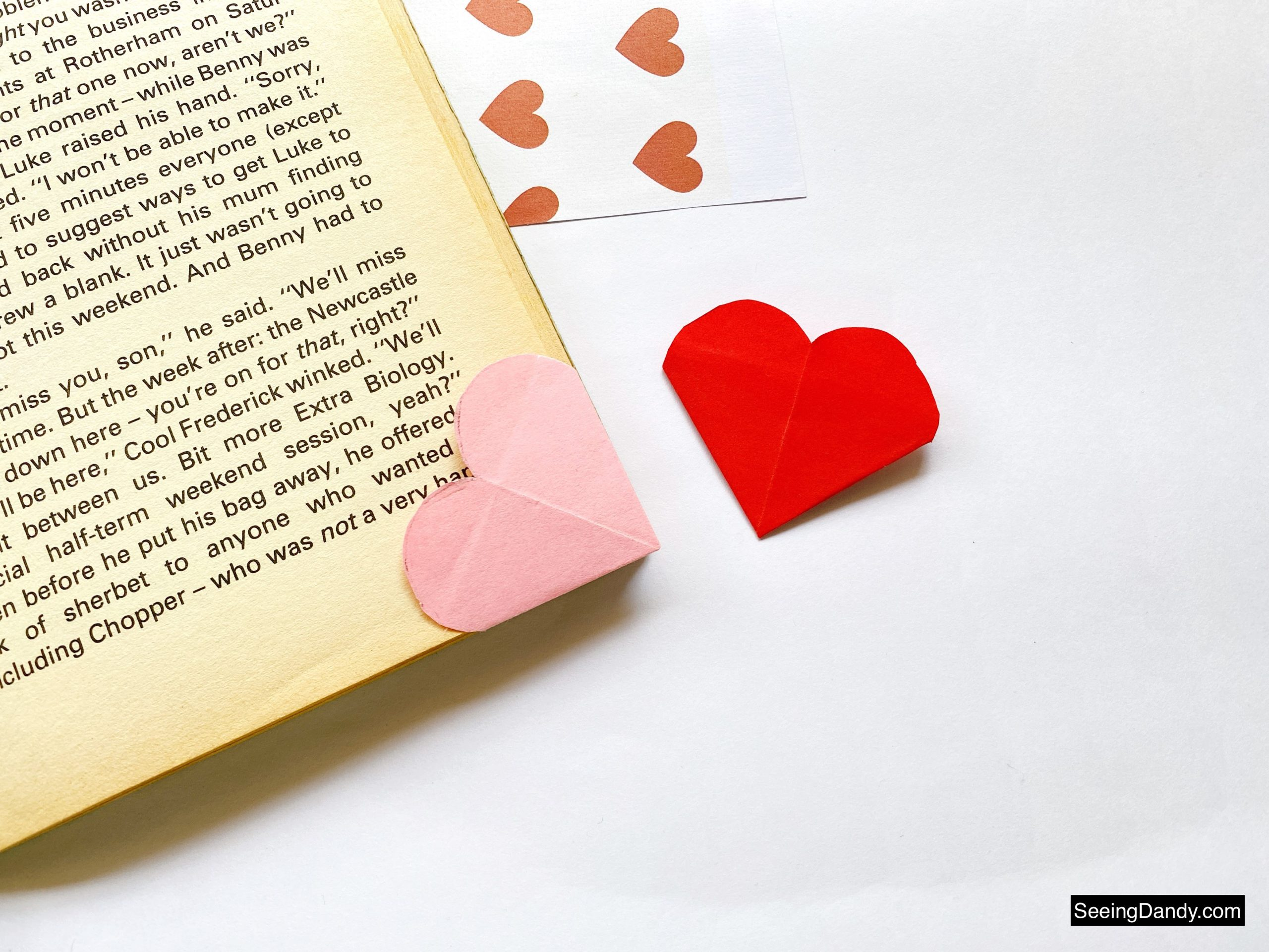 origami heart bookmark, japanese paper folding, paper crafts, valentine card, valentine ideas, easy crafts, diy crafting, school party ideas, valentine party, valentine origami, diy bookmarks