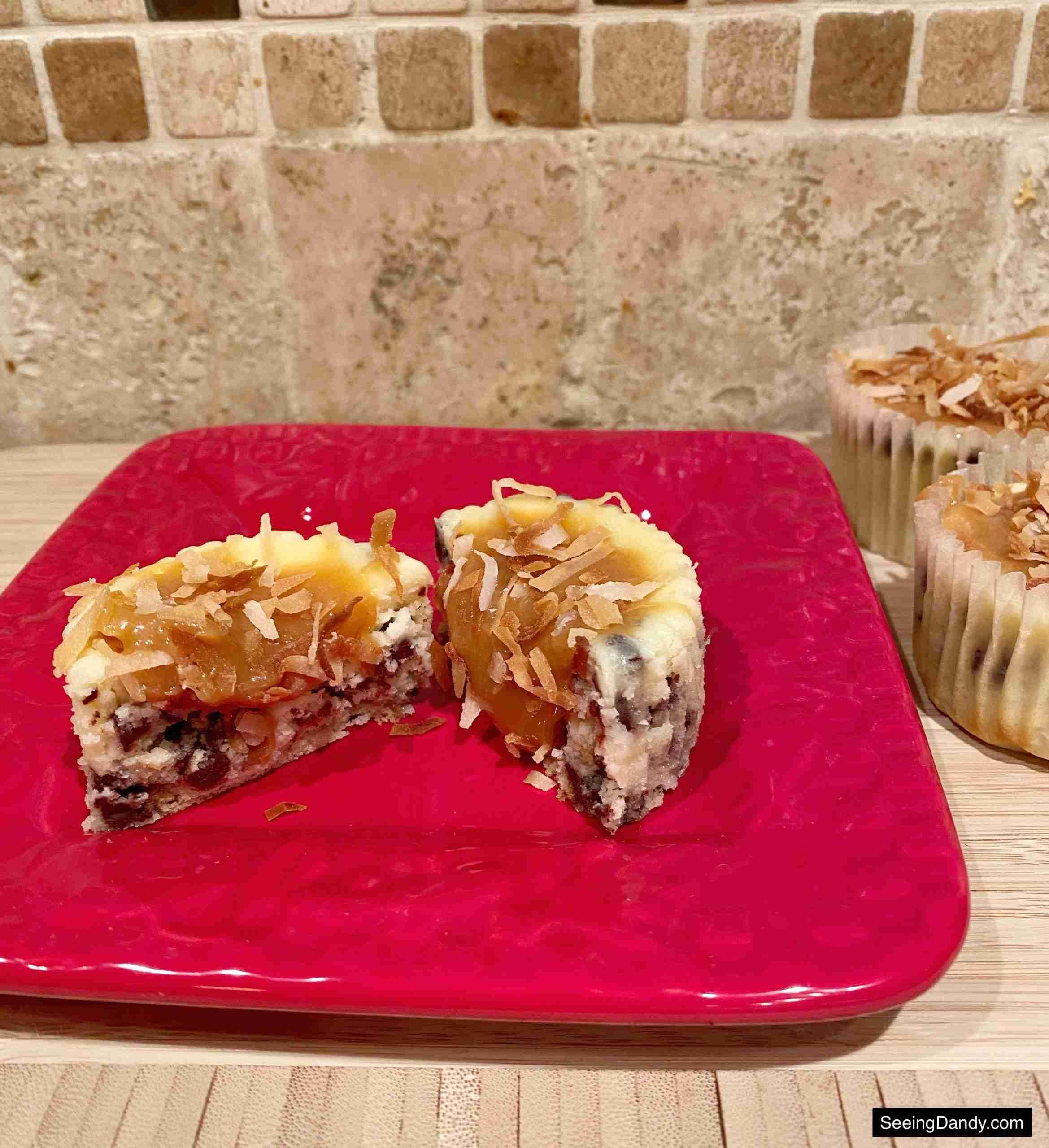 samoa cheesecake cupcakes, girl scout cookies copycat, dessert recipes, chocolate chip cheesecake