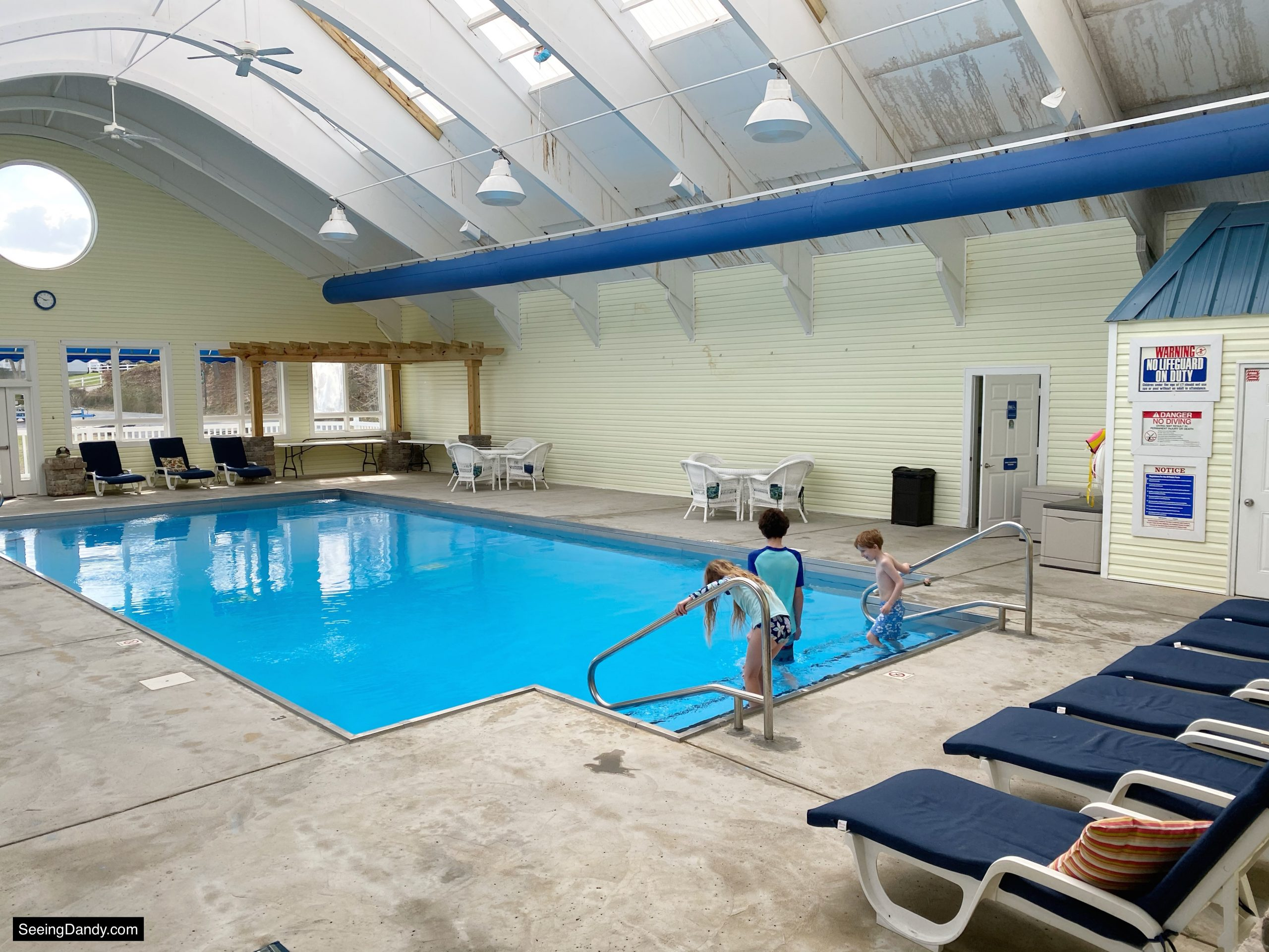 land between the lakes swimming pool, green turtle bay indoor pool, grand rivers kentucky pool, grand rivers resort, family travel