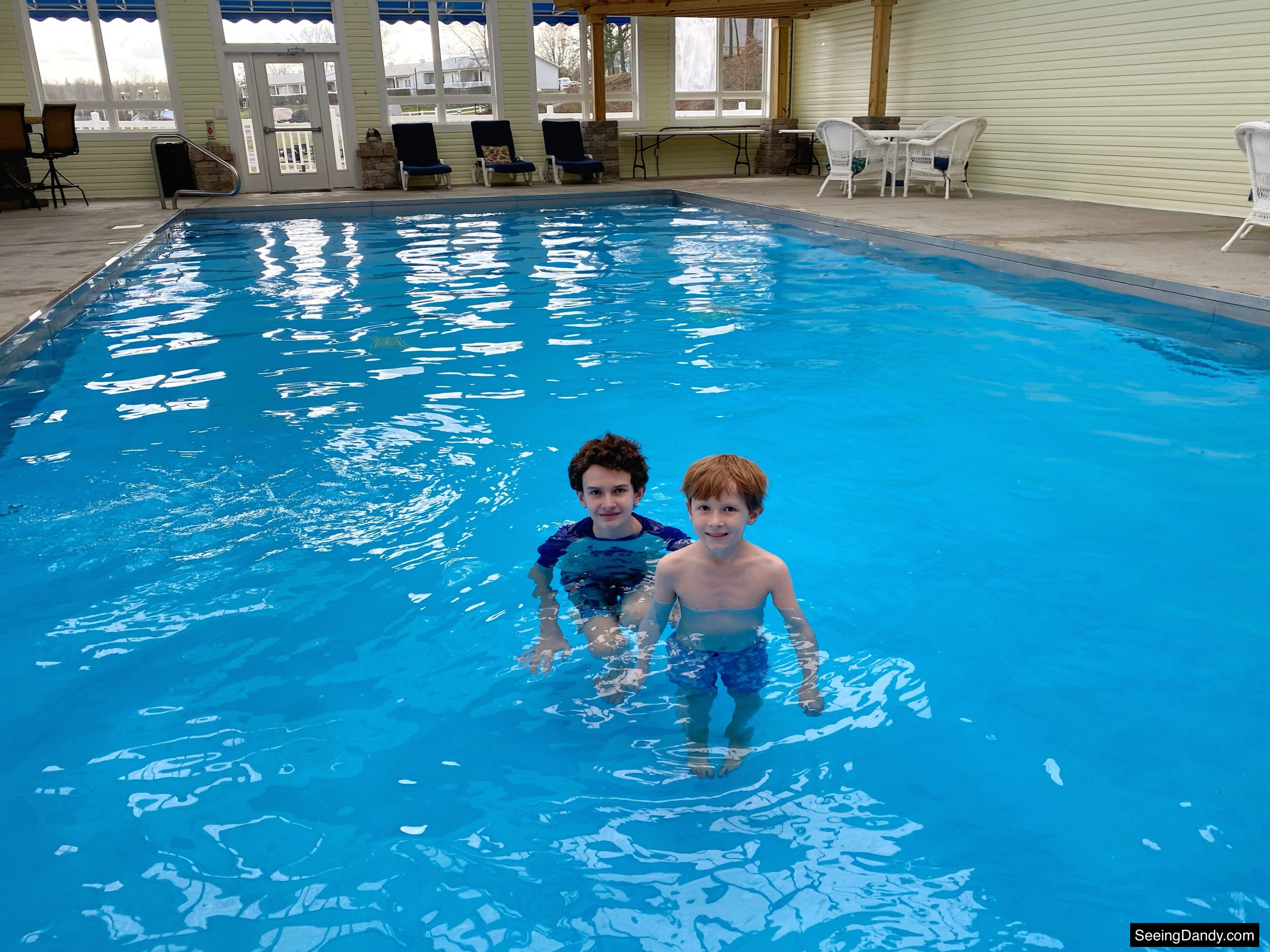 green turtle bay indoor pool, grand rivers kentucky pool, grand rivers resort, family travel