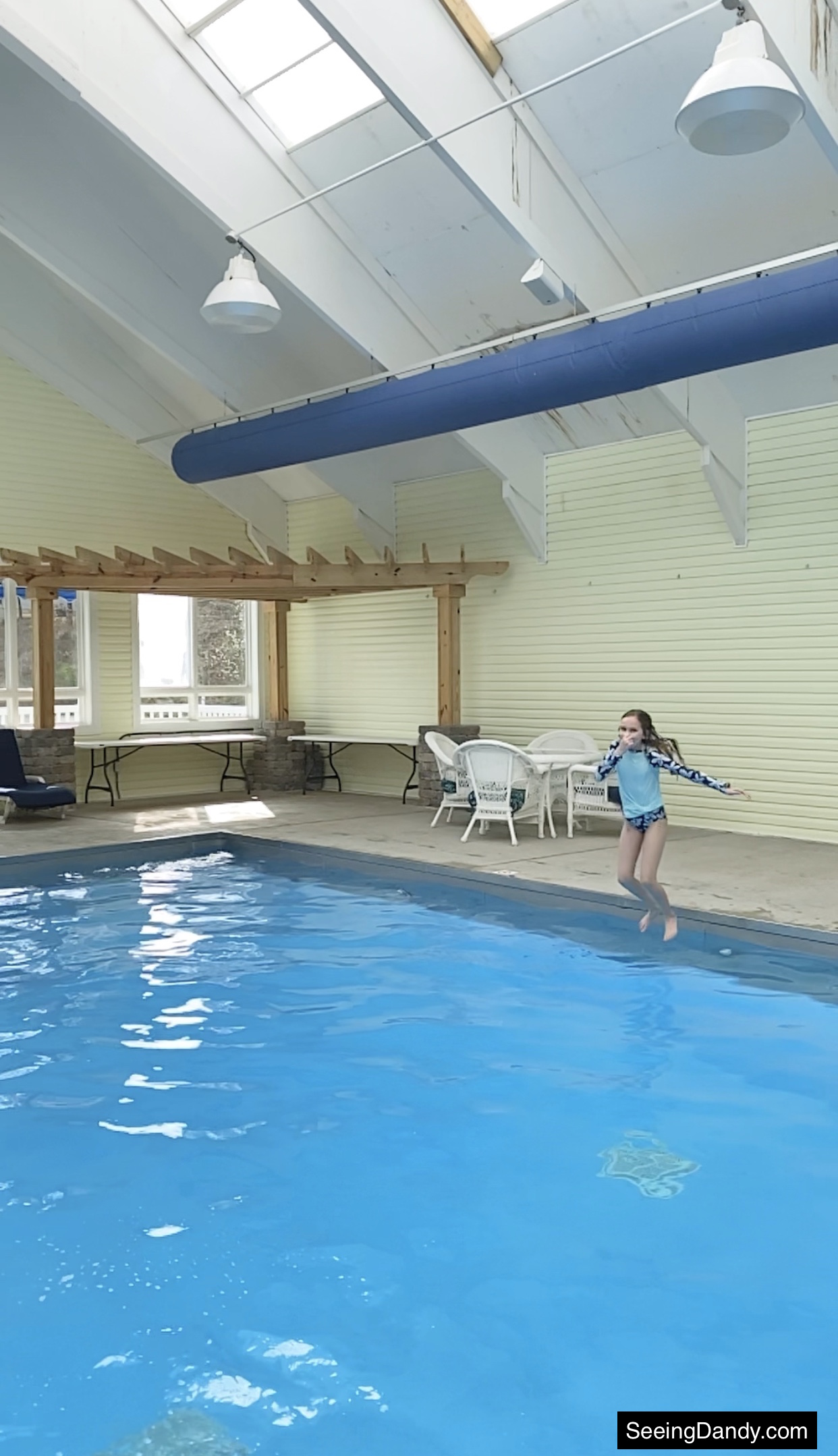green turtle bay indoor pool, grand rivers kentucky pool, grand rivers resort, pool jumping, family travel